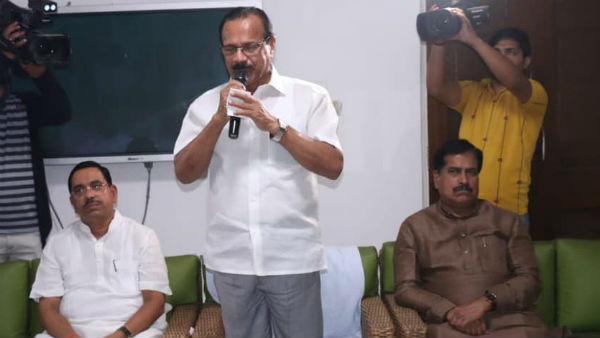 Union Minister DV Sadananda Gowda meeting with all Karnataka MPs