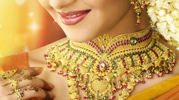 Gold Prices Zoom Rs 280 Crosses Rs 34000 Mark