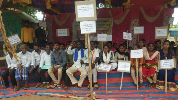5 admitted to hospital while protesting against college evacuation order in chitradurga
