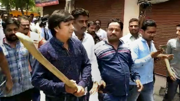 madhya pradesh indore bjp mla akash vijayvargiya father kailash bashed up mayor
