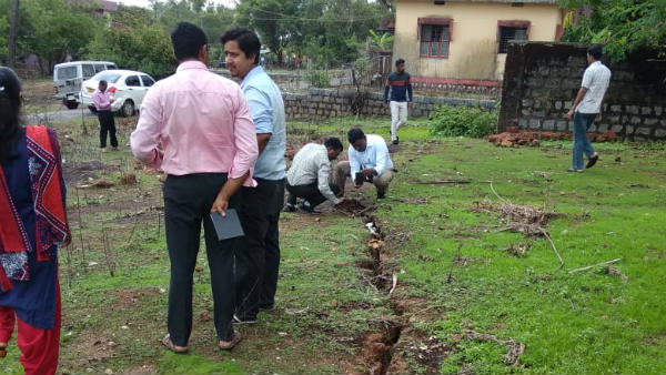Experts visited area of land crack in Manchikere