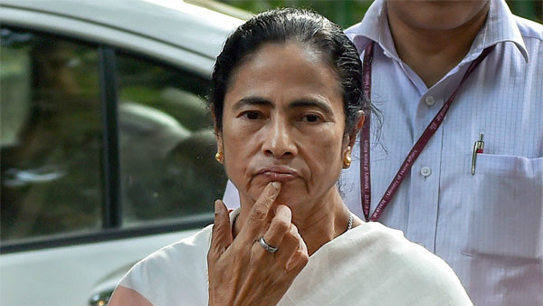 Mamata Banerjee cancels meeting with injured intern doctor