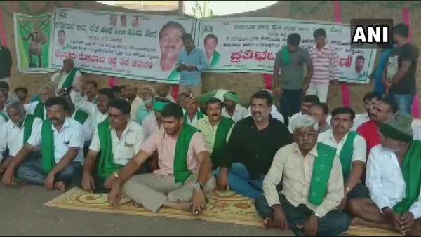 Farmers protest continues in Mandya