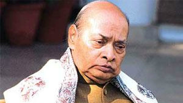 PV Narasimha Rao was sidelined by congress gandhis should apologise