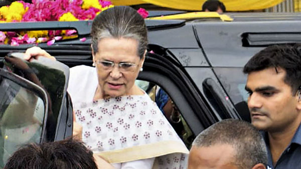 Limits of dignity crossed during elections by BJP, alleged by Sonia Gandhi