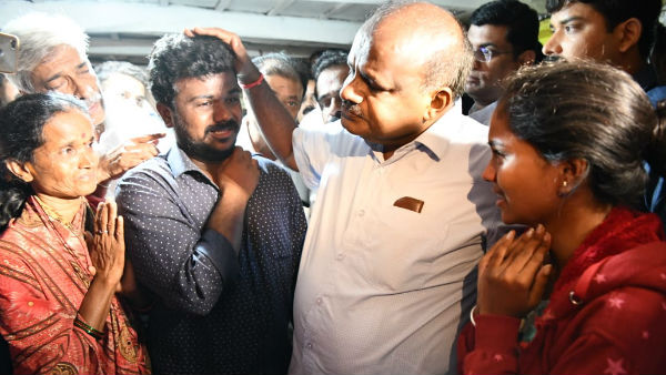 cm Kumaraswamy visited Aghalaya and gave 5 lakh compensation to suresh family