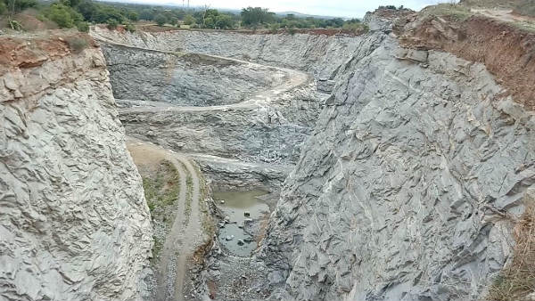 two workers injured in Explosion at Hirikati stone quarry