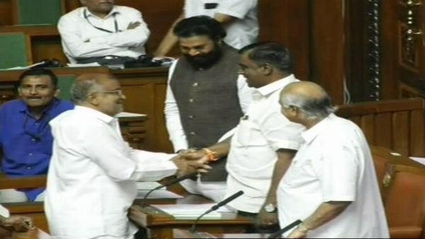 Is CM Kumraswamy unhappy with minister GT Devegowda over his discussion with BJP leaders
