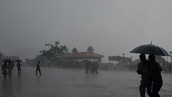 Heavy rain red alert in Kerala