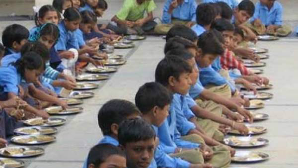 school children got sick by consuming food in belagavi