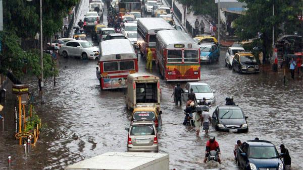 ಮುಂಬೈನಲ್ಲಿ 48 ಗಂಟೆಗಳಲ್ಲಿ ಭಾರಿ ಮಳೆ, ಹವಾಮಾನ ಇಲಾಖೆ ಎಚ್ಚರಿಕೆ