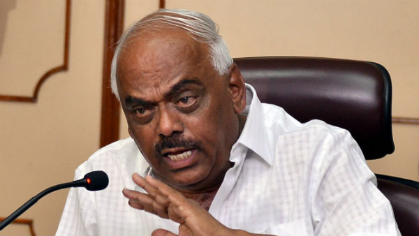 Speaker Ramesh Kumar angry on chaos in srinivasapura government hospital
