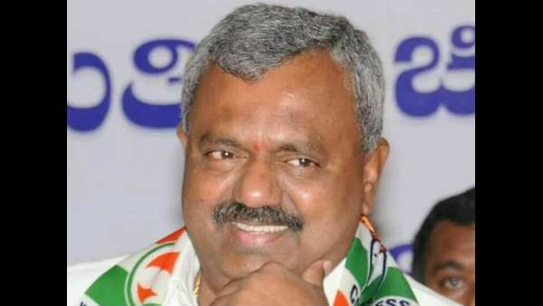 MLA ST Somashekar returns to Bengaluru from Mumbai