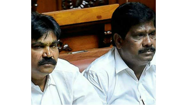 Two independent Karnataka MLAs moved to supreme court