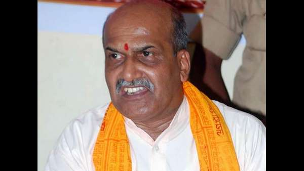 Pramod muthalik shove shoes into the mouth of BJP MPs if they use Modi name again