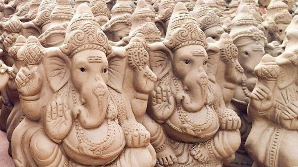 Which type of ideal should worship on Ganapathi pooja