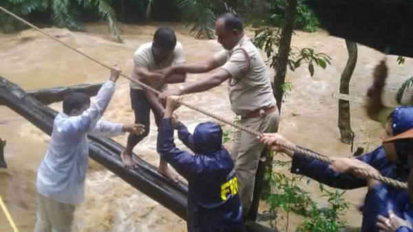 Rescue Of Hubli Tourist Trapped in Shirley Falls