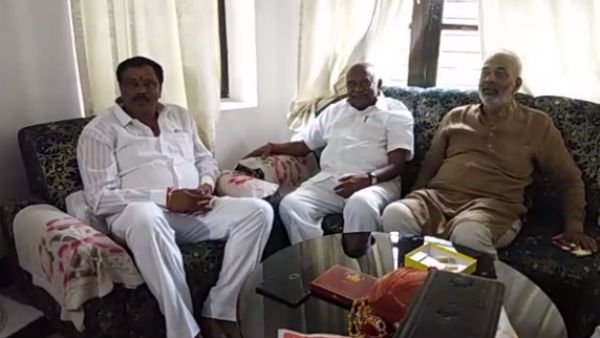 BJP leader A Manju and H Vishwanth meets in Mysuru