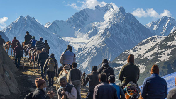 Amarnath pilgrims Airlift by Indian Air force
