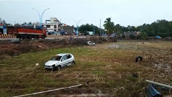 Cars Dumped To Field From Flood In Ramadurga
