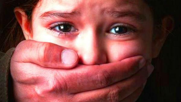 ಆಟವಾಡುತ್ತಿದ್ದ 3 ವರ್ಷದ ಮಗುವಿನ ಮೇಲೆ ಅತ್ಯಾಚಾರ ಎಸಗಿದ ಅಪ್ರಾಪ್ತ