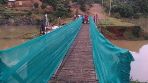 How Tumari Villagers Built A Bridge After Flood