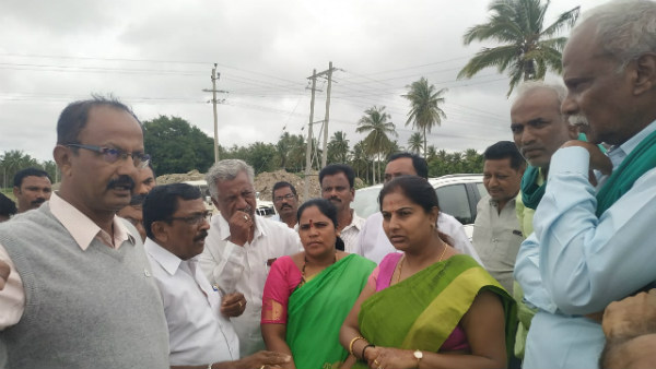 Farmers Argued With Authorities Over Incompletion Of Bhadra Work In Hiriyur