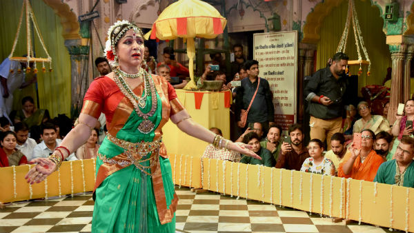 Hemamalini perforemed Bharathanatyam in Mathura