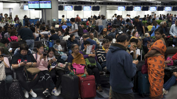 Hong Kong Protest Continues Airport Flights Shut Down