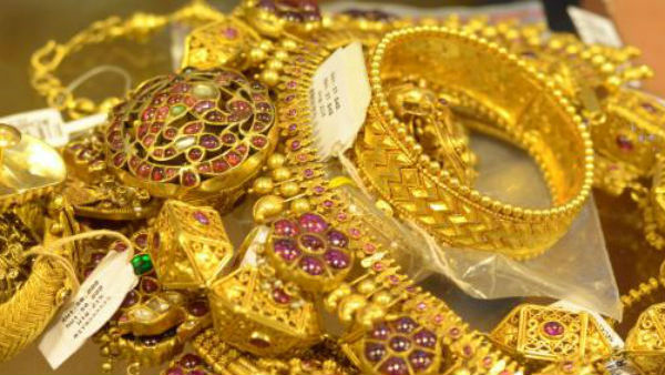 Women Finally Got Lost Bag With 90 Grams Gold After 14 Months In Mysuru