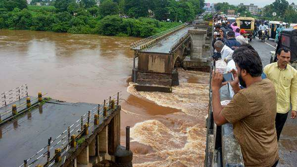 Kerala Flood: Death Toll Rise; Normal Life Hits Very Badly In Most of The Districts