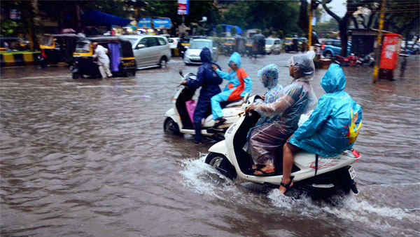 Red Alert In Karnataka As More Heavy Rain Predicted In 6 Districts