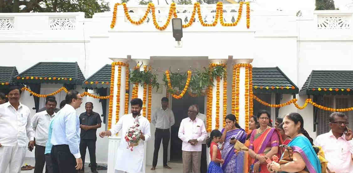 MP Pratap simha started new office to interact with people