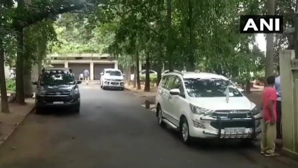 CBI Raids On IPS Officer Alok Kumars Residence