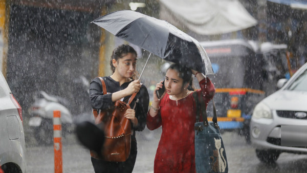 Heavy Rain In Bengaluru And Other District Next 24 Hours