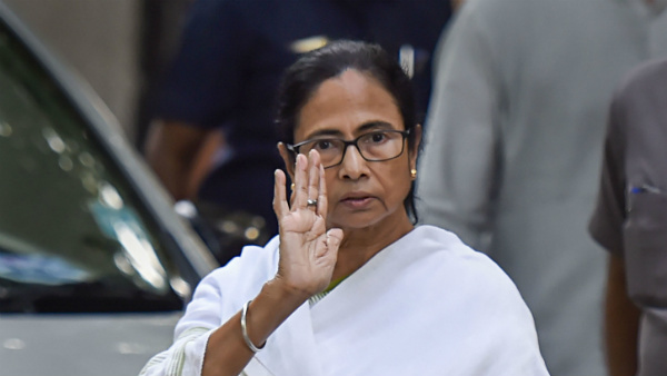 Mamata Assures Farooq Abdullah Of Standing By Him In Difficult Situation