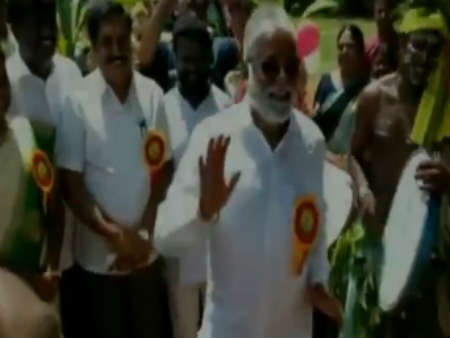 Kollegal MLA N Mahesh dances at Dasara celebrations in Chamarajanagar
