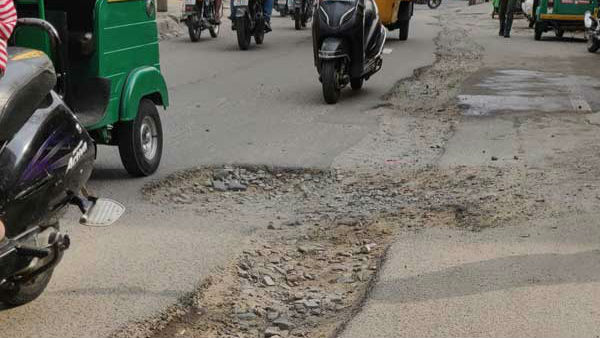 Potholes In Bengaluru Road Letter To Chief Secretary