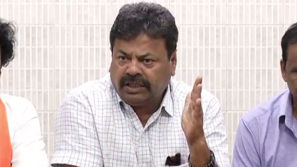 CM Political Secretary Renukacharya Lashes Out Siddaramaiah
