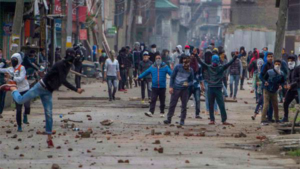 Artical 370: Stonepelting In Jammu-Kashmir. 765 persons Arrested