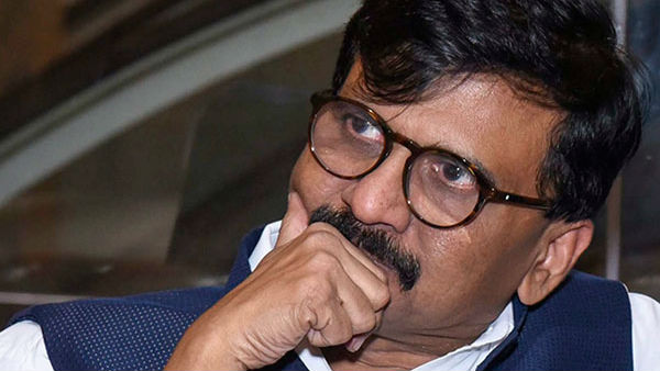 Shiv Sena Leader Sanjay Raut admitted at Lilavati hospital