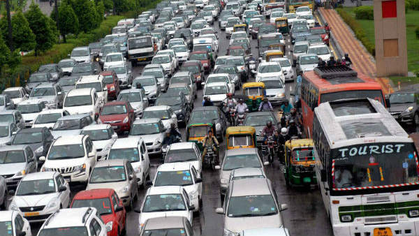 Delhi: A Man Escaped From Kidnap Because Of Traffic