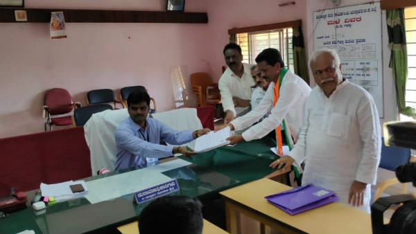 Congress Candidatte Bhimanna Naik Filed Nomination In Yallapur