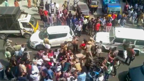 Kerala Police Arrested 5 For Attempting To Block BS Yediyurappas Car