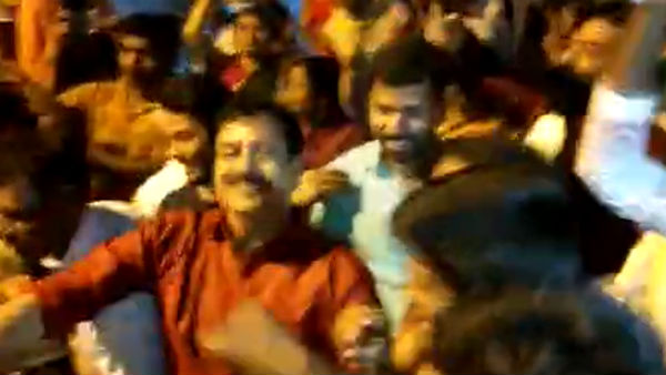 Former Mla YSV Datta Danced In Fair At Chikkamagaluru