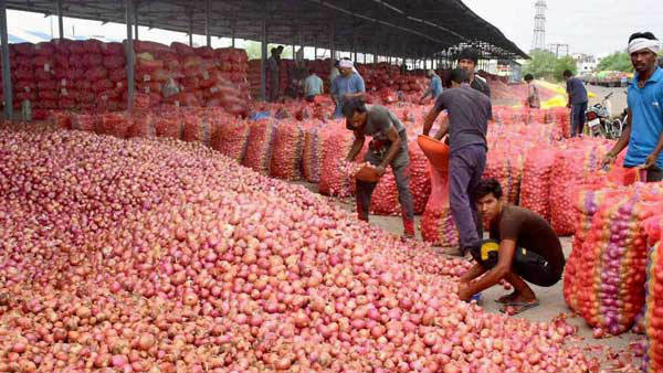 Dc Ordered To Limit Onion Stock In Mysuru