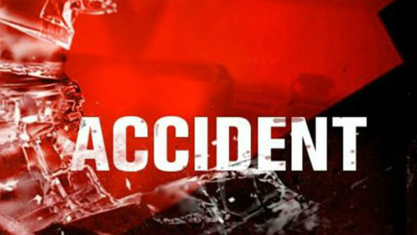 Tempo And Car Accident Near Dharwad 4 People Spot Death