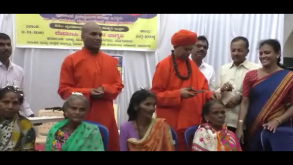 Swamiji Awareness On Devadasi Ritual By Cutting Hair In Davanagere
