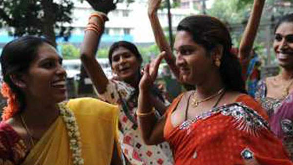 New Year Goes Bad In Bengaluru Transgenders Misbehaving With Public