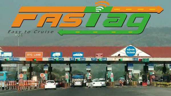 Toll Plaza Employees Attacks Car Driver For Not Using FASTag